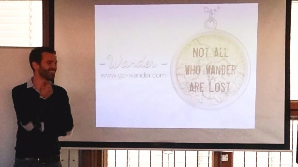 Kim van der Leeuw (Co-founder of Wander) pitcht voor de Franse pers
