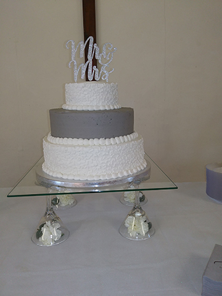 "Wedding Cake on 16"" Square 3/16"""