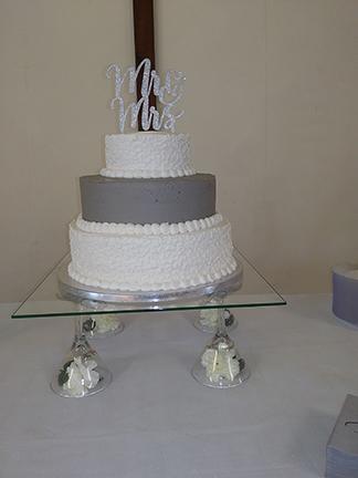 "Wedding Cake on 16"" Square 3/16"""
