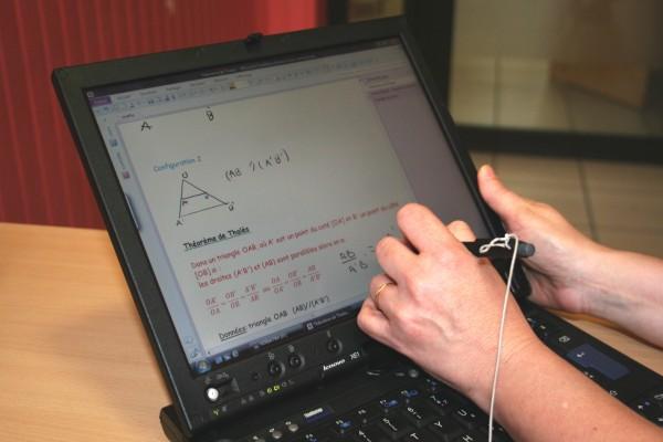 微軟 OneNote:協助閱讀障礙的孩子,擁有全新的學習體驗
