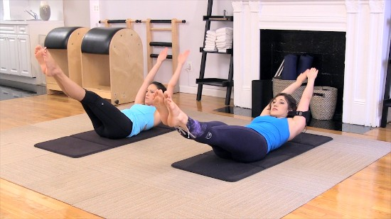 Stretchy Wake Up Mat with Victoria Torrie Capan