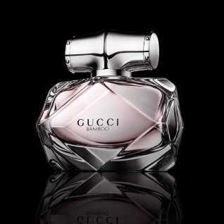 Bamboo, strong yet graceful, is one of Gucci`s most recognisable design signatures and has defined references in today`s multi-faceted woman. Mirroring the Gucci Woman`s confident persona, the fragrance is soft and intense at once. The duality is expressed with strong notes that resonate through the heart and base. Deep sandalwood, heady Tahitian vanilla and unique grey amber accords strike a complementary contrast with the inherent femininity found in exotic floral notes of sensual Casablanca lily, feminine orange blossom and delicate ylang ylang