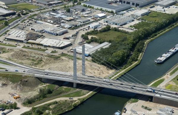 Albert Canal Bridge at Geel, Belgium (photo: Jan de Nul Group / Patrick Henderyckx / schlaich bergermann und partner)