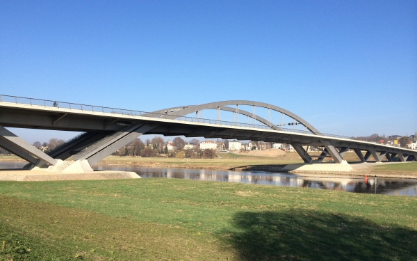 Waldschlößchenbrücke, Dresden (photo: Nicolas Janberg)