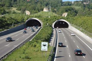 1999: Engelbergbasistunnel, Deutschland