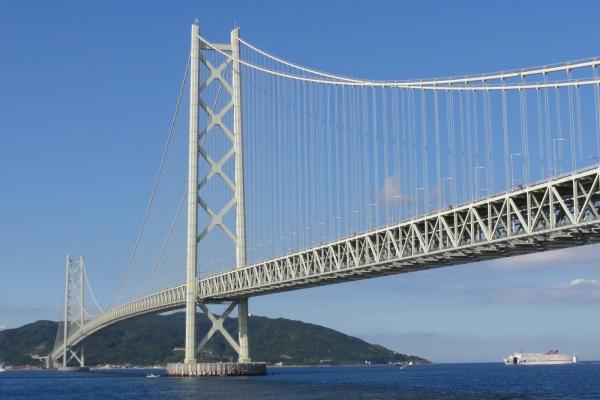Akashi Kaikyo Bridge (photo: H. Oomori, CC-BY-SA)