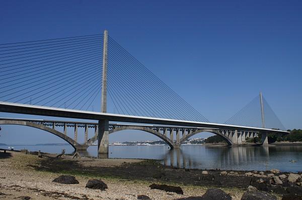 Iroise bridge in front of Albert Louppe Bridge