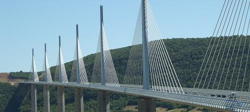 2004: Millau-Viadukt, Frankreich