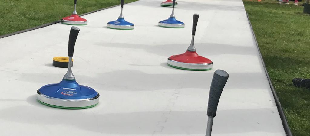 Curlingbaan schaatsbaan curling huren