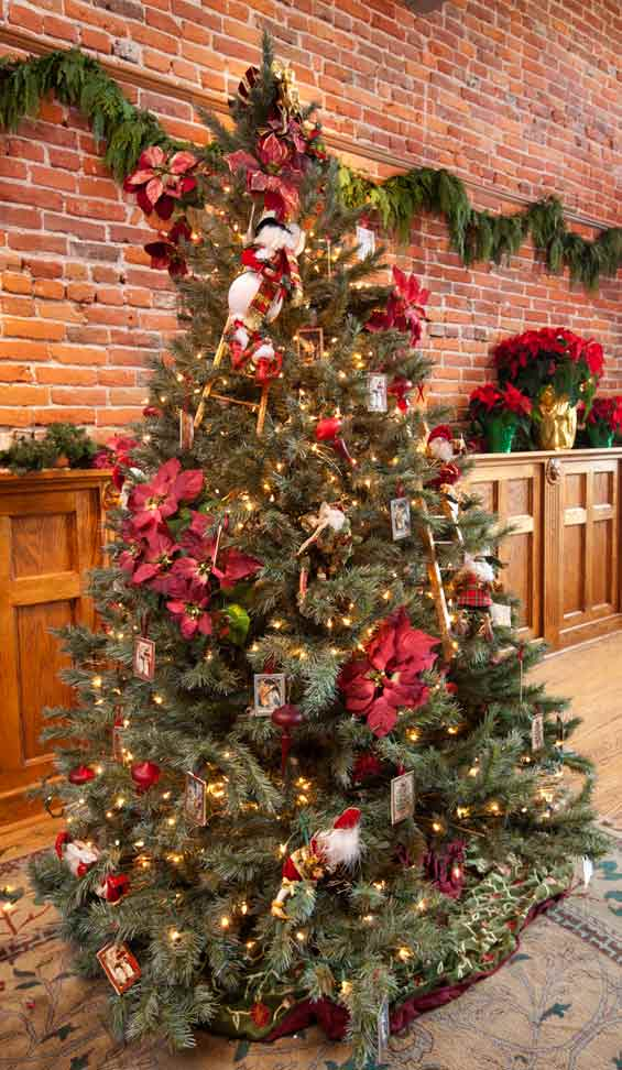 Christmas Tree at the Bishop Victorian