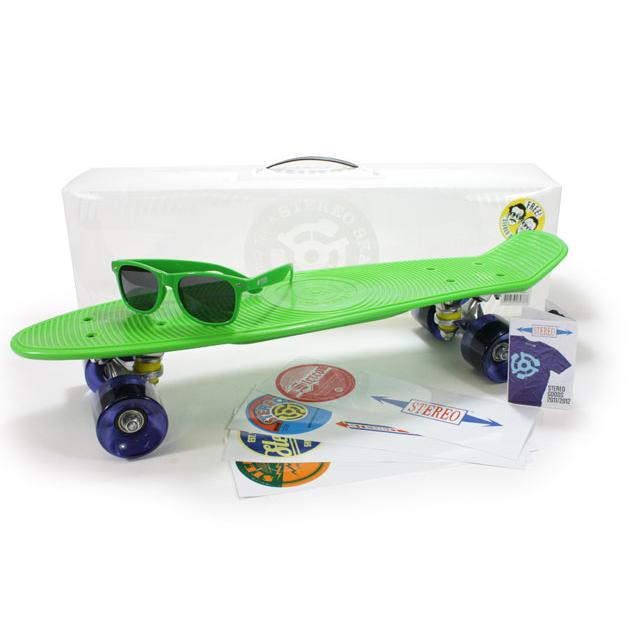 Cruiser in plastica Stereo con occhiali e portachiavi omaggio