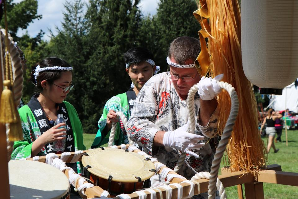 Tony and a group of volunteers prepare the dashi for procession to the stage
