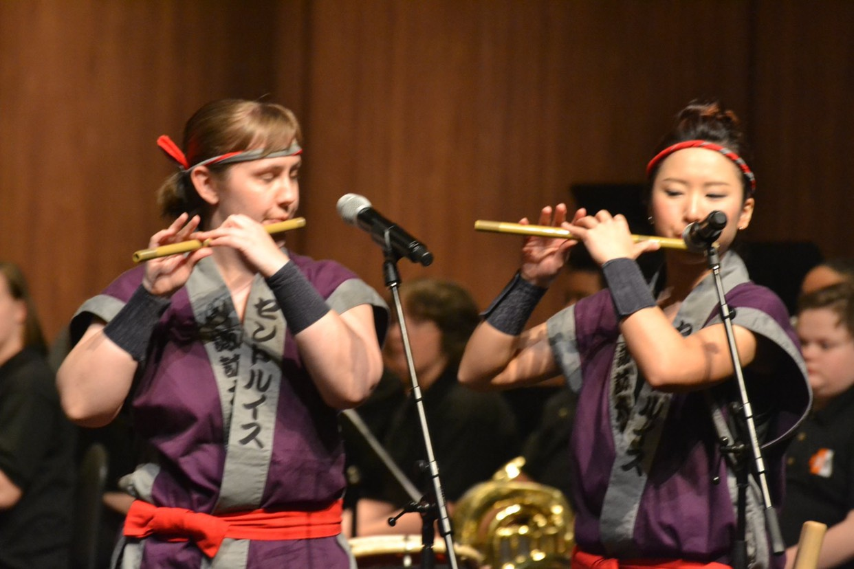 Katie (left) and Natsuki (right) perform Sakura