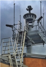 The digital tower camera mast being used by SAAB-Sensis at the Leesburg, VA airport.