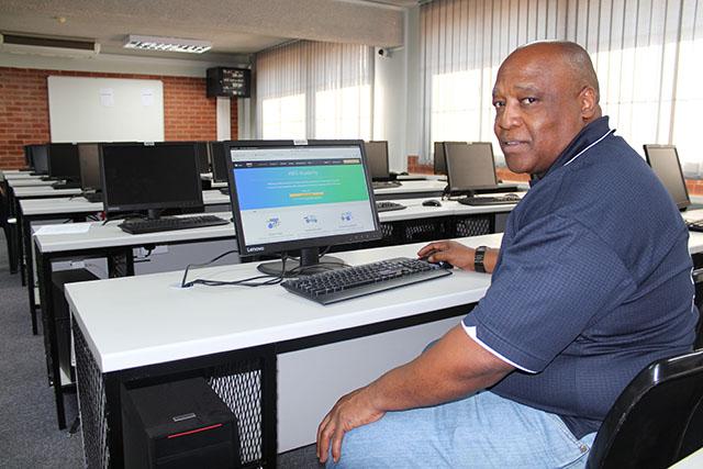 Dr P Mtshali