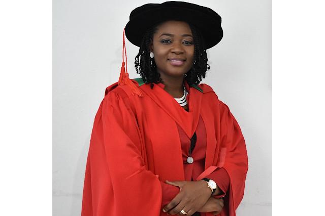 Dr Odunayo