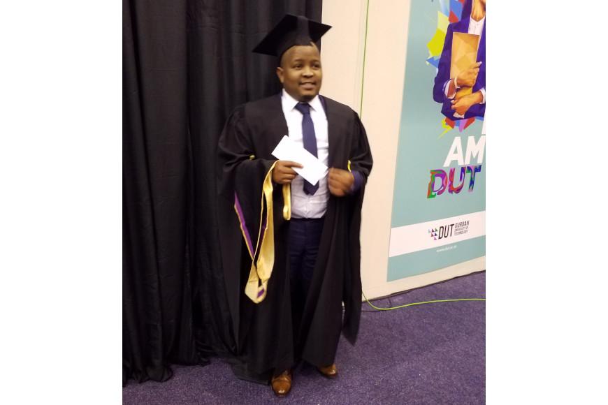 NATIONAL STUDENT LEADER MJAJUBANA OBTAINS HIS MASTER OF HEALTH DEGREE AT THE 2019 DUT SPRING GRADUATION