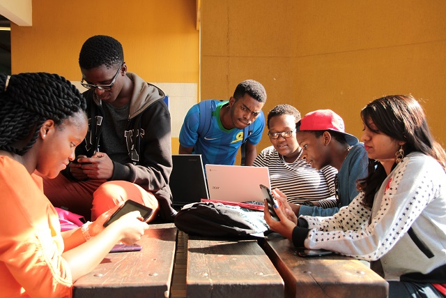 Students accessing DUT4Life to gain access to announcements made by their lecturers.