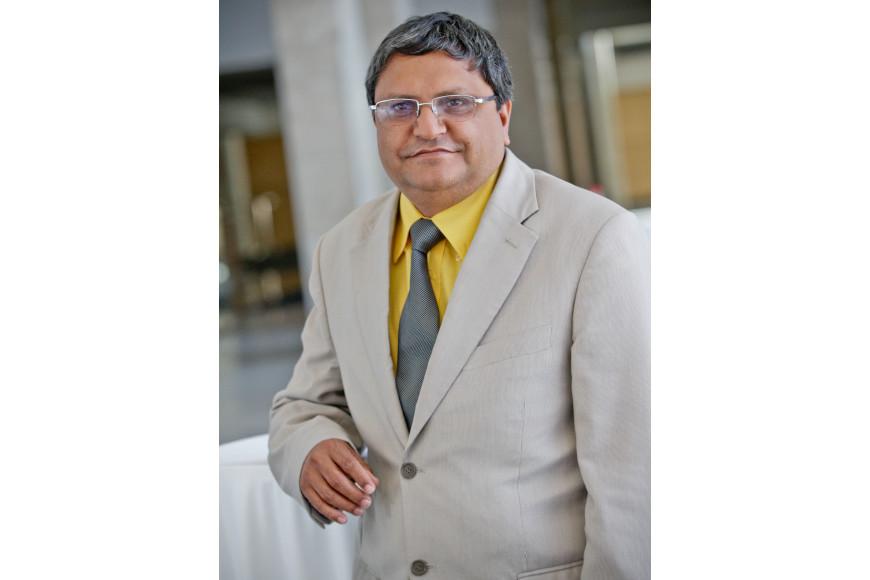 Dr Surendra (Colin) Thakur