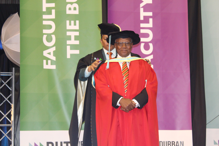 DR VUNDLA URGES GRADUATES TO BE 'PIONEERS' OF TOMORROW