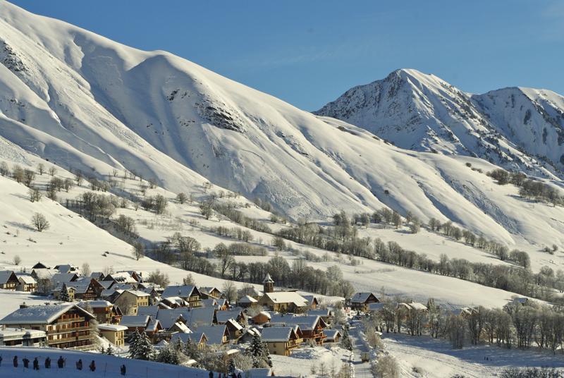 Saint Sorlin d'Arves depuis le front de neige
