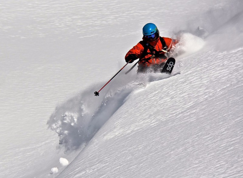 Heli Skiing with Pure Powder