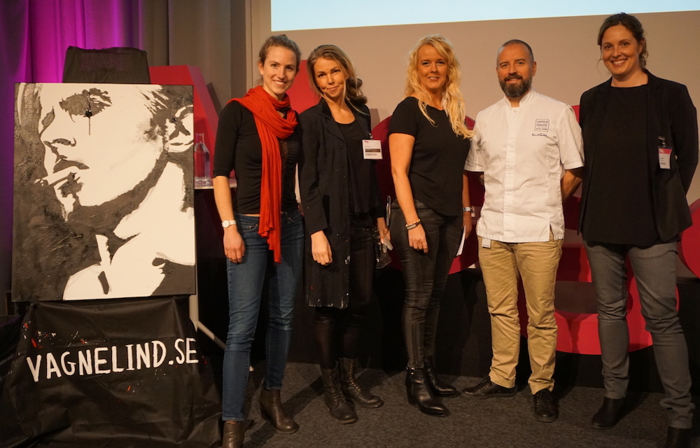 Fyra jurymedlemmar + en vinnare från förra årets tävling