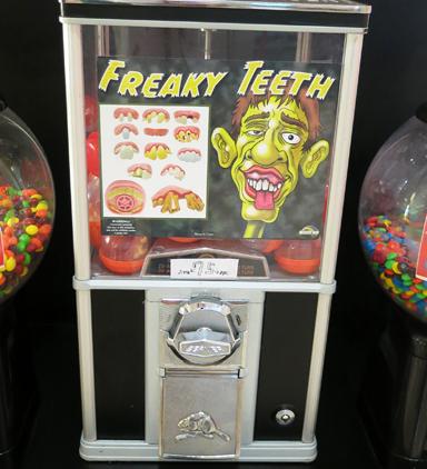 Freaky Teeth, vending machine in San Leandro, CA