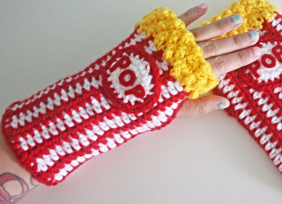 Buttered Popcorn crocheted arm warmers by Twinkie Chan