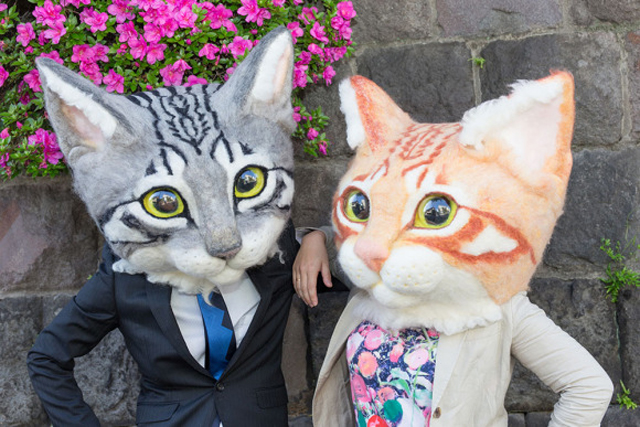 Giant realistic cat heads from Japan