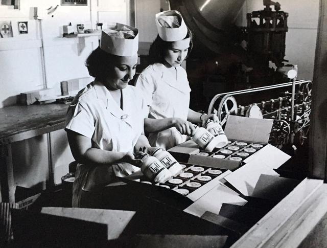 Durkee-Mower factory 1950