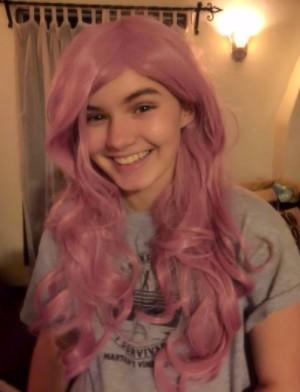 SJ in a big pink wig