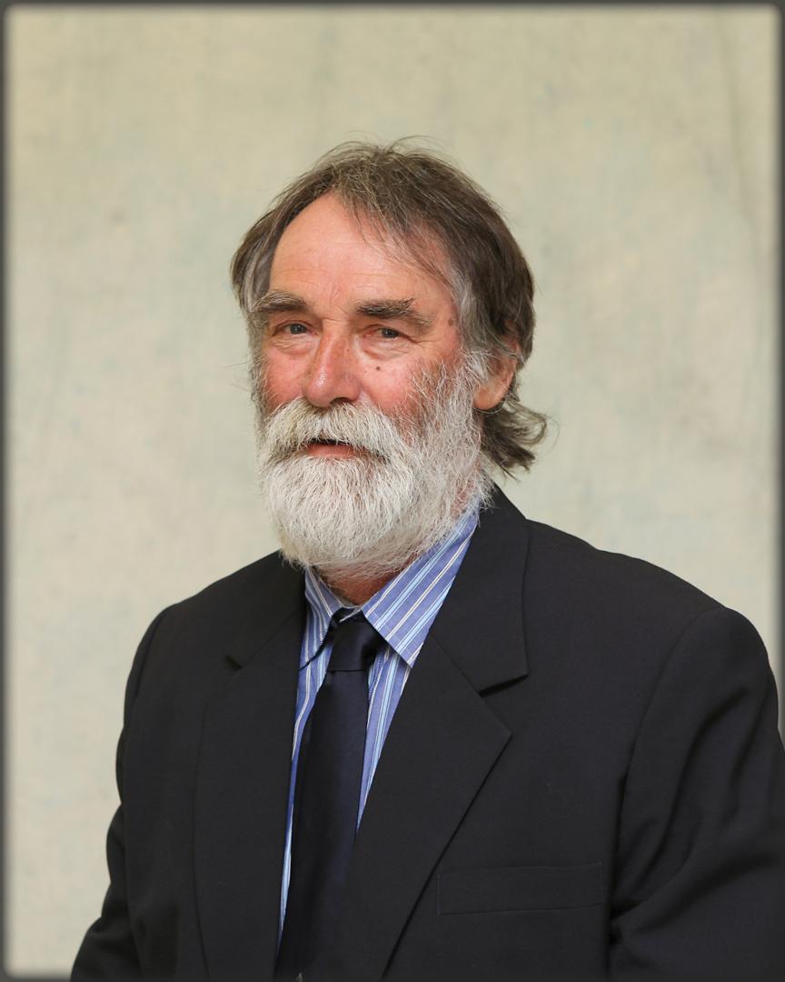 Cr Trevor Domaschenz