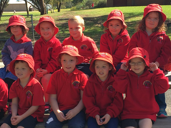 Kaniver 2016 Kindergarten Children in the West Wimmera Kindergarten Uniforms
