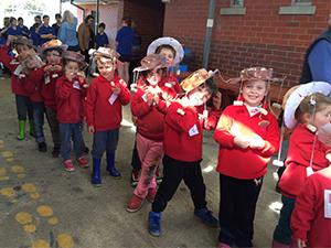 Edenhope Kindergarten children in their swaggie at Edenhope College