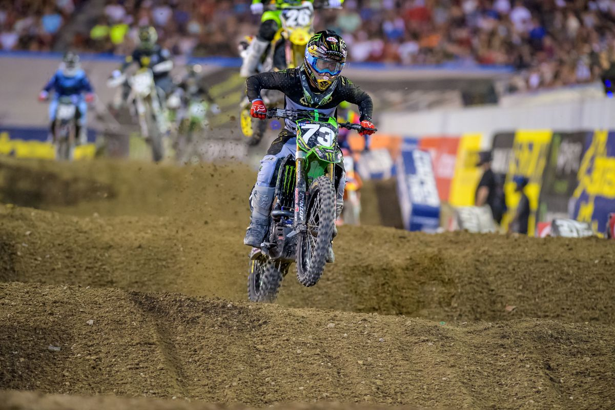 Davalos Caps Off 250 Career with Top 10 Finish