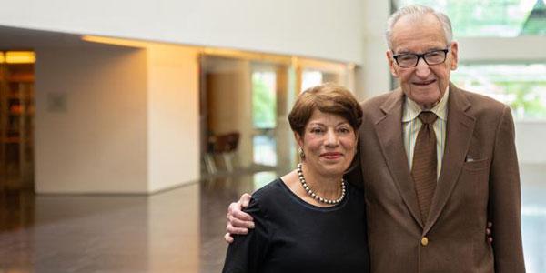 Former director of oncology nursing establishes fund to advance nursing research
