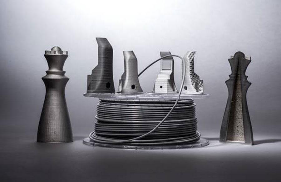 Filament und Bauteil aus Ultrafuse.