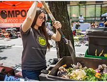 Composting at the Greenmarket (Robert Moschetta)