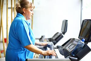 Woman on treadmill (gilaxia/iStock/Getty)
