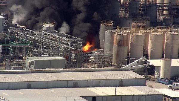 Texas chemical explosion kills worker, 3rd plant explosion in 3 weeks