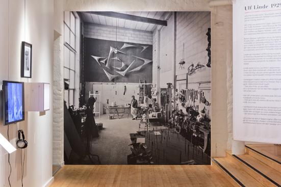 Foto från utställningen om Lars Ahlin och Arne Jones