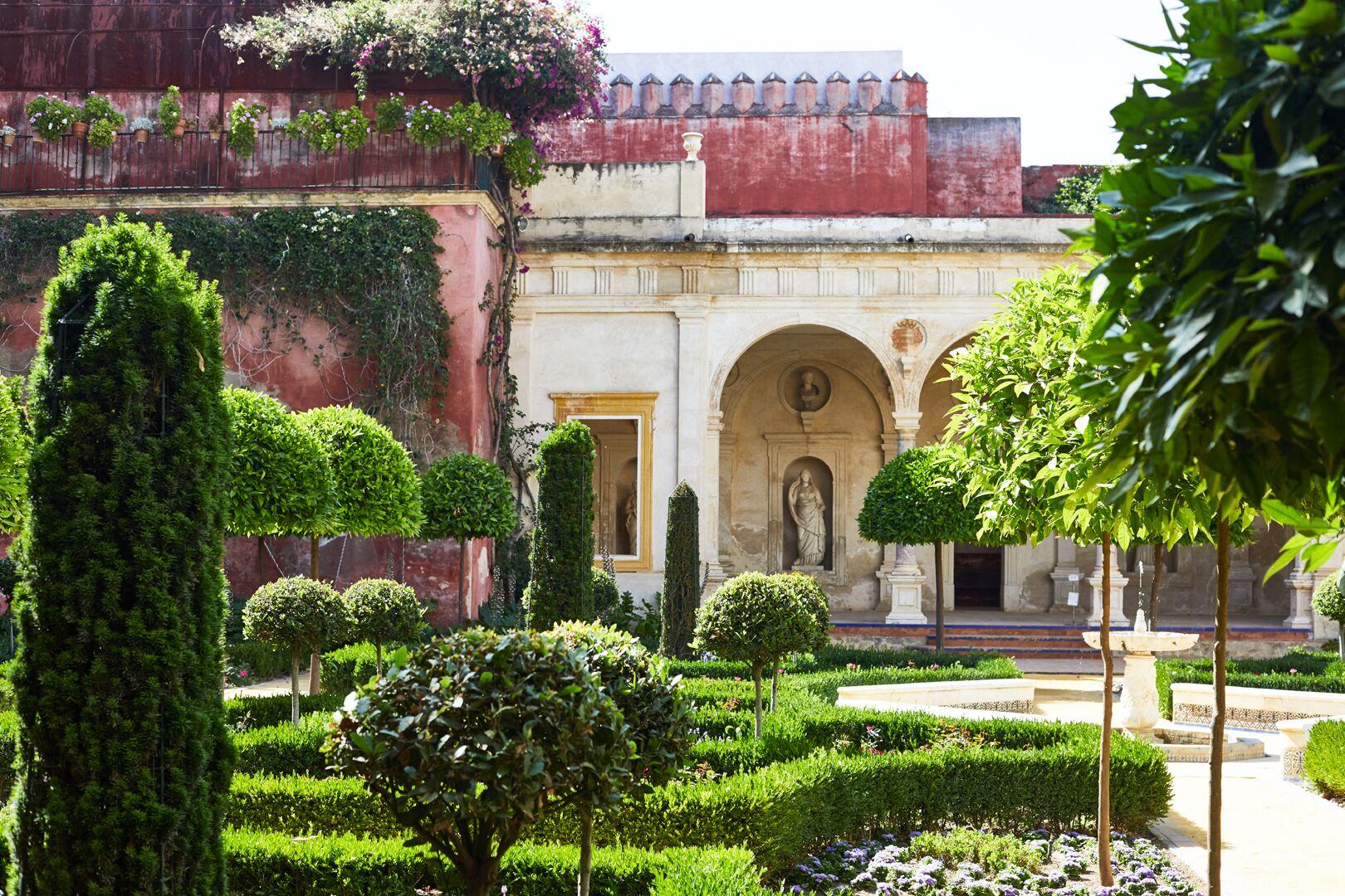 Seville, Andalucia: Royal Alcazar gardens