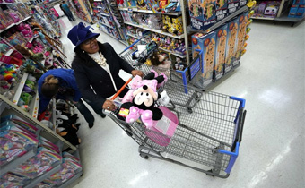 National Retail Federation forecasts solid holiday growth