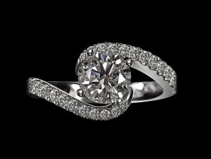 Zaha et Cetera wedding ring