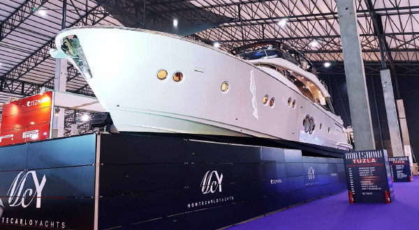 MCY 80 at Boat Show Eurasia