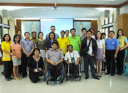 Group photo with officials of Rayong Provincial Social Department and Human Security Office and Nikhom Phatthana Sub-District Administrative Organization