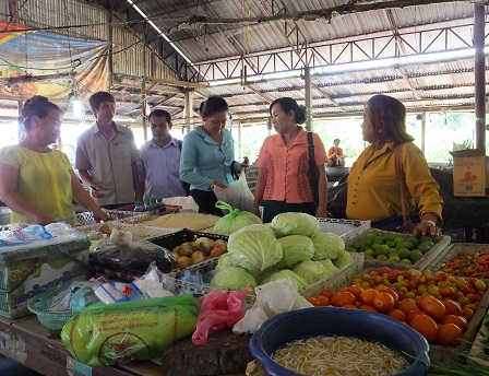 Coaching on how to sell products effectively in the rural market