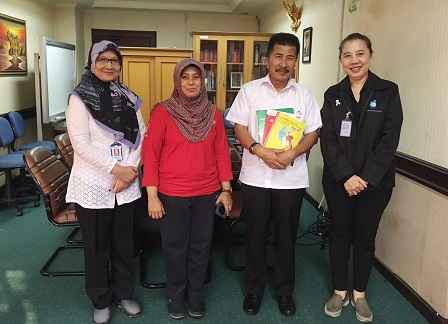Group photo with Mr. Bambang Sugeng, Director of Social Rehabilitation for Persons with Disabilities of the Ministry of Social Affairs of Indonesia