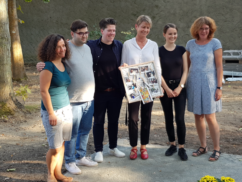 Frau Breitenbach mit Vertretern von die reha e.V.